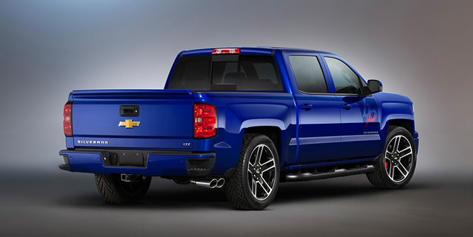 2013-sema-Chevy-Silverado-on-a-Carbon-Fiber-Diet-with-Cheyenne-Concept-scopioneusa-auto-accessories-truck